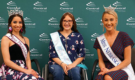 Dayana Sifontes, Aubrey Freeze and Jessica Shultis